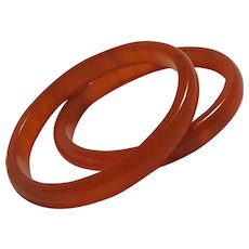 Pair of Marbled apricot Bakelite bangle bracelets