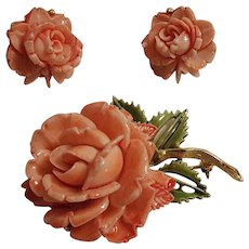 Pell molded plastic rose pin and  clip earrings set.