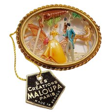Les Creations Maloupa Paris celluloid pin couple horse carriage