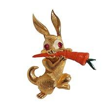 Boucher bunny rabbit pin orange enamel carrot 9213P