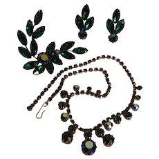 Green rhinestone parure set necklace pin clip earrings
