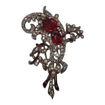 Trifari fur clip enamel red rhinestone Alfred Philippe 1940