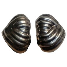 Taxco sterling silver puffy earrings Mexico abstract design TM-34