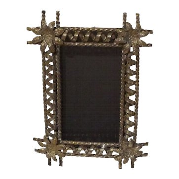 Aesthetic Movement Spiral Rod Picture Frame