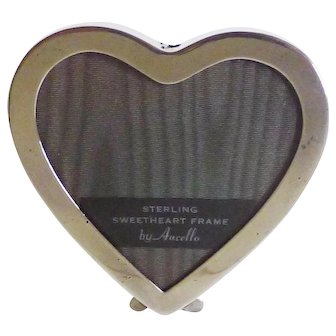STERLING Aucello Heart Shape Picture Frame