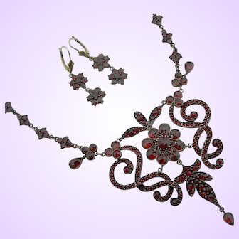 Victorian Bohemian Garnet Necklace and Earrings