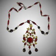 Art Deco Red Glass Necklace.