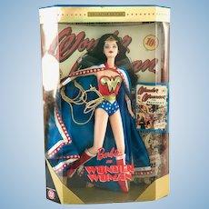 NRFB Mattel 1999 DC Comics Wonder Woman Barbie Doll with COA, Stand 24638