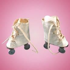 Vintage Madame Alexander Sonja Henie Babs Mary Hoyer Doll Oilcloth Roller Skates