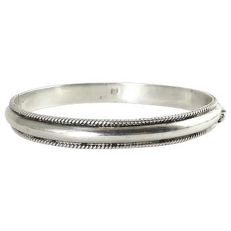 Sterling Silver Hinged Bangle Bracelet with Beaded Edges