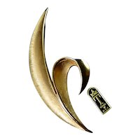 1960's Trifari Modernist Leaf Frond Pin with Orig. Tag, Exc. Cond.