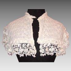 Late Victorian era needlelace lady's collar