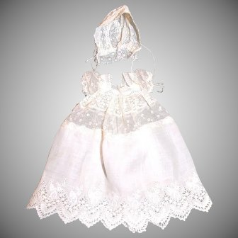 "Sweet antique lace and cotton Christening dress 6-7"" baby"
