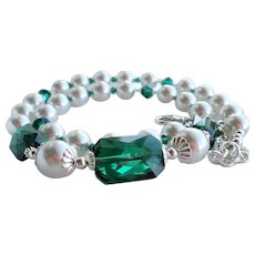Emerald Green Colored Swarovski Crystal and White Swarovski Faux Pearl Necklace Earrings SET