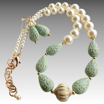 Mint Green and Gold Colored Acrylic Bead Necklace Earrings SET with Swarovski Cream Faux Pearls