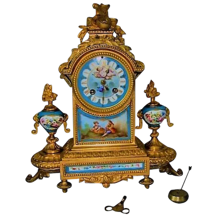 Antique Bronze Ormolu Mantel Clock With