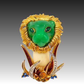 Vintage Carnegie Green White Lion in the Grass Brooch