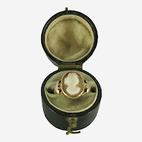 19th Century Victorian 9k Gold Shell Cameo Ring with Case