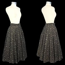 Vintage 1950s Novelty Quilted Black Circle Skirt w/Gold Lurex Flowers XS