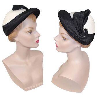 "Vintage 1950s Black & White ""Straw"" Braid Hat w/Pearl Accent"