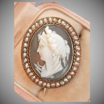 15K Gold Victorian Hand-carved Cameo Seed Pearl Pin