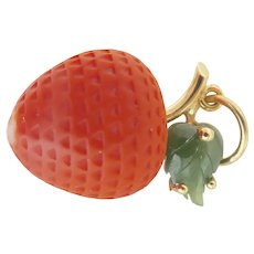 Lovely 18K Gold Carved Coral Strawberry Nephrite Vintage Pendant