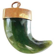 Terrific Heavy 9ct 9k Gold Nephrite Jade Claw Pendant