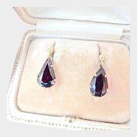 Pretty 9K Gold Vintage 7.00 ctw Garnet Dangle Earrings
