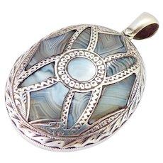 Rare Victorian Scottish Montrose Agate Engraved Hinged Silver Locket
