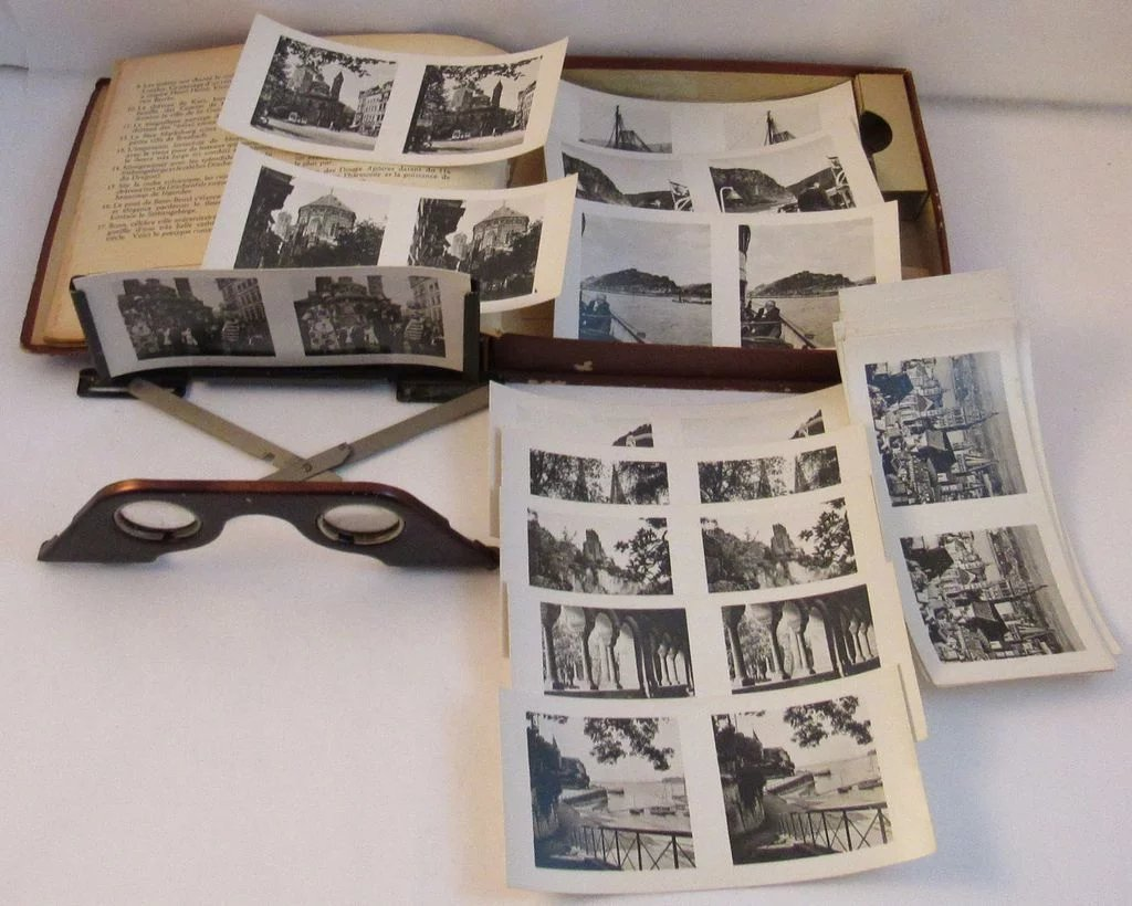 Raumbild-Verlag Stereoscope Germany 3-D Complete with 23 Black and ...
