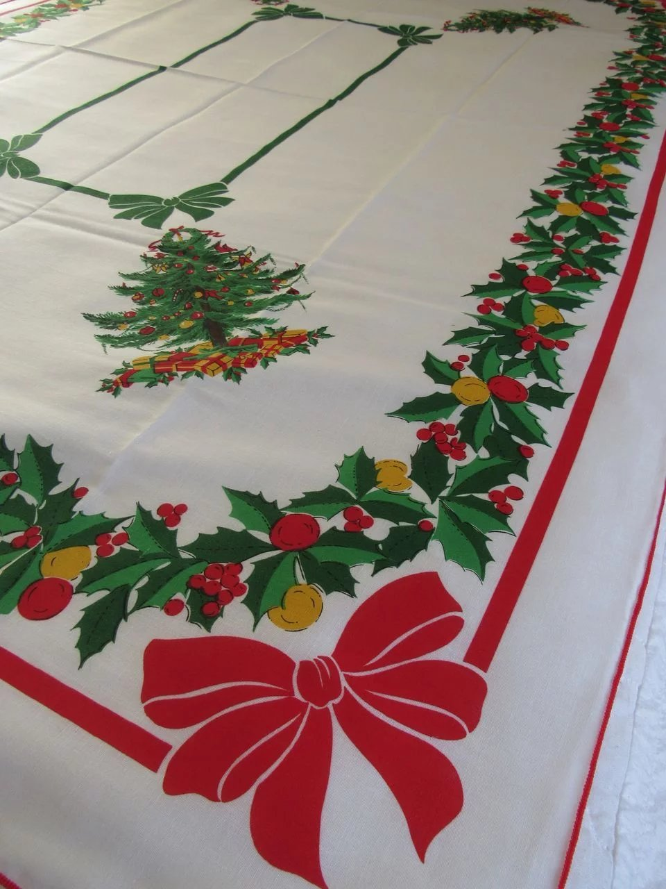 Vintage Christmas Tree Linen Tablecloth Ss Moore Antiques Ruby Lane