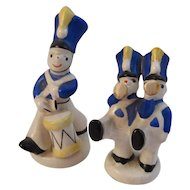 2 English Soldier Figurines - Drummer Boy and Buglers Miniatures