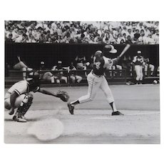 Original Photograph Hank Aaron and Johnny Bench