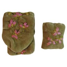 Velvet Embroidered Etui Needle Case and Pincushion Vintage Sewing Pin Cushion Flower Embroidery Pink and Green Hand Made