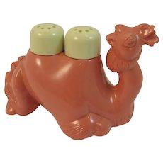 Hard Plastic Camel Salt and Pepper Shaker Humps Vintage Kitsch
