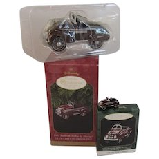 2 Hallmark Die Cast 1937 Steelcraft Airflow by Murray and Miniature Kiddie Car Christmas Ornaments