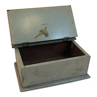 Primitive Green Wood Trinket Box