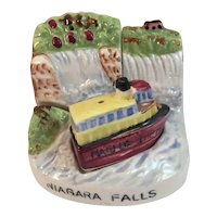 Maid of the Mist Salt and Pepper Shakers Stacking Set on Niagara Falls Stand