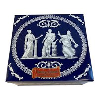 Huntley and Palmer Biscuit Tin Wedgwood Box Vintage 3 & 1/2 Pound Size England English