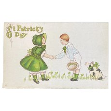 St. Patrick's Day Postcard Pet Pig Couple Shaking Unused 31 D