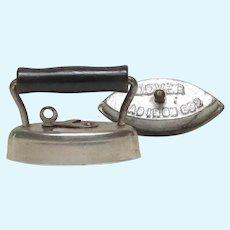 Early 1900's Miniature Dover Sadiron Sad Iron 602