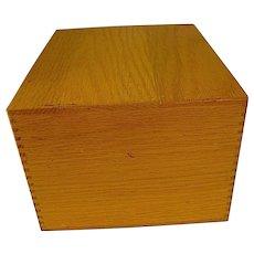 Vintage Oak Merchants Box Co.  File Wood Box Dovetailed Corners 1979