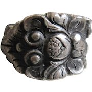 Vintage Sterling Silver Heavily Embossed Ring Size 9.5 Thistle Leaves