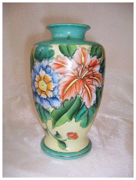 Attractive Hand Painted Floral Vase Made In Japan Johns Antiques