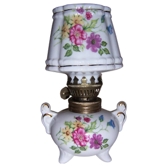Vintage Small White Floral Oil Lamp