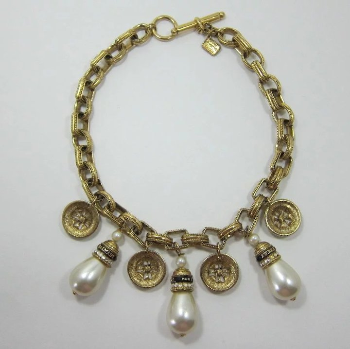 d95a91869d2 Magnificent Pierre Balmain Couture Necklace with Imitation Pearls ...