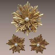 Bright Gold-tone Boucher Sunburst Brooch and Earrings