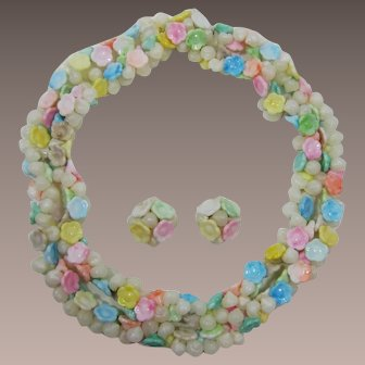 Hong Kong Necklace and Earring Set with Pastel Flowers