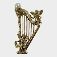 1928 Jewelry Co. Elaborate Harp Brooch with Two Angels - Cherubs