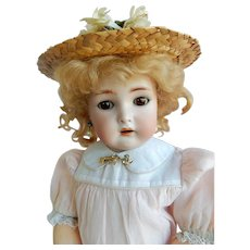 "ADORABLE 17"" Kammer Reinhardt /Simon Halbig Doll w/Working Crier"